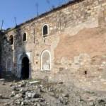 Menemende-Ermeni-Kilisesi-300x199