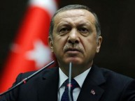 iranli_sozcuden_erdogan_a_sert_tepki_ulkeyi_asagilayan_birisinin_ayaklarinin_altina_kirmizi_hali_sermek_utanc_verici_h47277_4a787