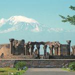 EC Armavir bölgesi, Ecmiadsin, Ararat'ın fonunda Zvartnots,  642-662 (fotoğraf Z. Sargısyan)
